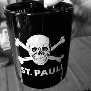 TAZA ST.PAULI NEGRA CAFE